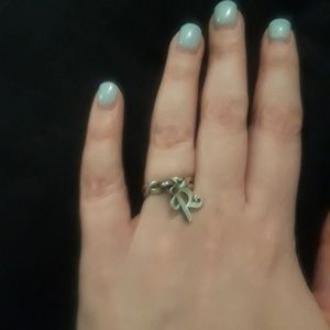 James avery twisted ring (size 4) with initial r